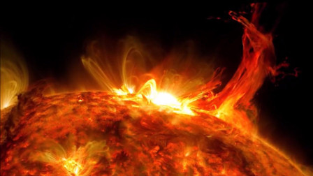 拥抱太阳,近距离观察太阳表面!