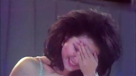珍藏!主持人调侃邓丽君裙子太短,没想到她的反应太可爱了