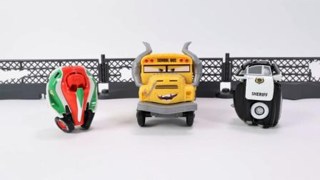 定格动画-迪士尼赛车总动员3野外竞技场和变形玩具车