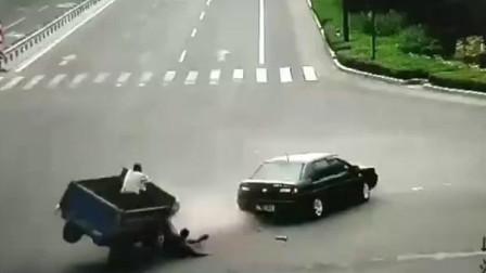 大白天竟会发生如此离奇的车祸在同一个人身上