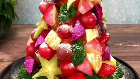 孩子要吃水果圣诞树,我嘴里说不做,等放学给她一个惊喜!跟我一起做一个有温度的妈妈吧~