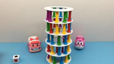 汤圆玩具屋变形警车珀利 救护车安巴和超级飞侠小爱玩比萨斜塔