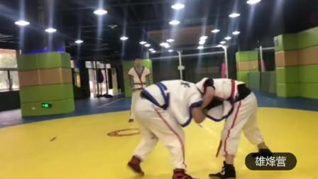 中国式摔跤——摔地是智慧