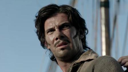 英军残酷处决海盗,用绳子拉着海盗和船底摩擦,船底可不是光滑的