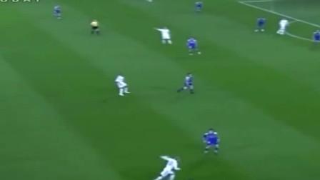 多角度回看,当年贝克汉姆传给罗纳尔多的这球,再没人能踢出来了