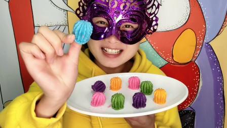 """小姐姐试吃""""3D立体仙人球巧克力"""",迷你精致,细腻柔滑唇齿留香"""