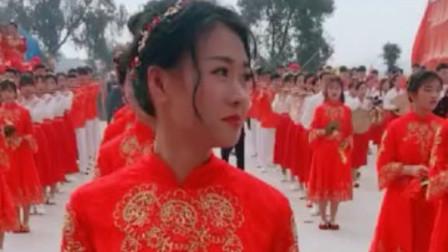 """潮汕拜神风俗游神中惊现""""古典美女""""翁佳娜意"""