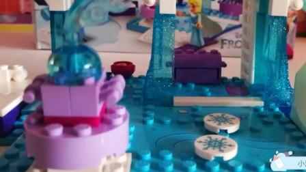 冰雪奇缘 魔法城堡 滑梯蛋糕 艾尔莎女王的生日派对 小熊和安娜公主闺蜜聚会!