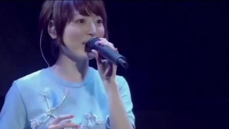 """日本""""宅男女神""""的演唱会,台下上万人呐喊,这气氛太热烈了"""
