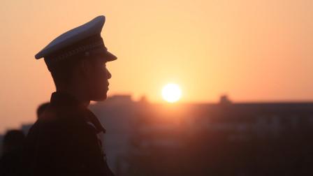 河南淮滨:淮滨交警携带2018工作亮点向全县人民汇报致以新春愉快