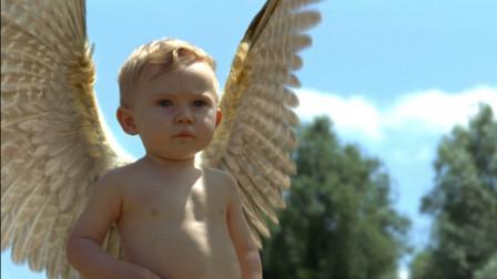 女子生下小婴儿,不料居然长出翅膀,他是个天使吗
