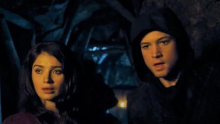 【谷阿莫】5分鐘看完2018跟小偷結婚後當搶匪搶別人老婆的電影《罗宾汉 Robin Hood》