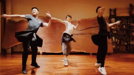 """2019开年最火舞蹈,超美中国风""""丽人行"""",抖音播放量1亿2千万"""