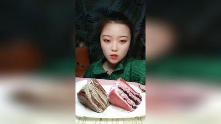 千层蛋糕两款不同口味的慕斯蛋糕4