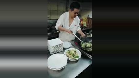 瞧瞧这厨师做的菜, 一个月给多少工资合适