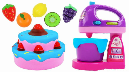 草莓可可蛋糕做起来一点也难,小朋友一起做蛋糕玩过家家游戏啦!