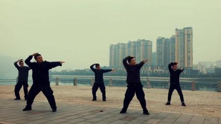 5个小哥跳《眉飞色舞》, 跳的挺好, 但是总想笑是怎么回事