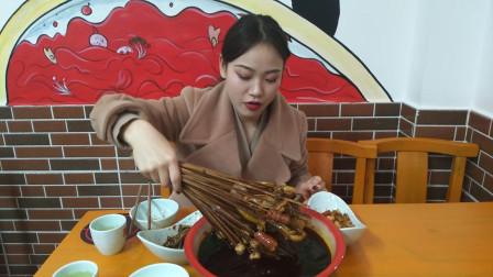 【美食探店】探寻四川绵阳一家火锅串串,好吃到爆,80元吃饱了,你们看值吗?