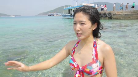 越南芽庄清澈见底海底世界!比基尼的女神小伍与小鱼同游