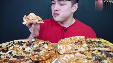 韩国吃播大胃王,吃4种口味牛肉芝士披萨,这一口吃下多少卡路里