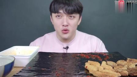 韩国吃播大胃王,吃牛肉泡面烤香肠和炸鸡块,好吃到想哭