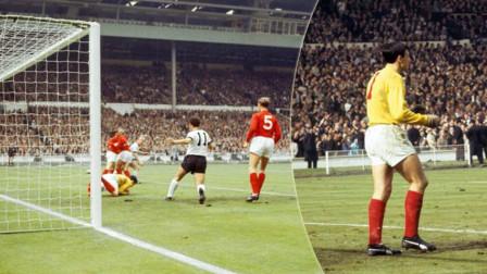 珍贵画面!1966年世界杯决赛:班克斯高接抵挡,传奇门神率队夺冠