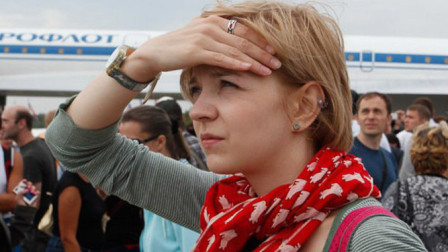 英国女学霸到中国,看到中国小学生后迷茫了,直言:都是骗人的!