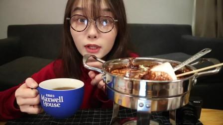 上海吃播:在家制作棉花糖下午茶甜点和巧克力火锅,好玩又好吃