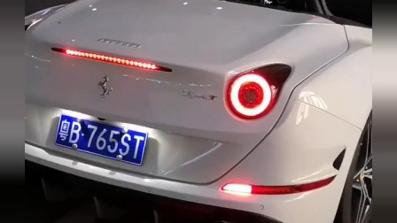 深圳豪车最多的地方。网友:看见了吧,不努力只能站在马路边拍视频。