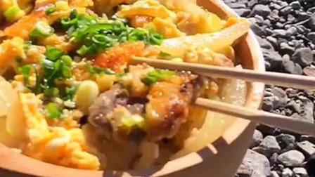 如何炸猪排才能外酥里嫩,日料大厨教你简单几步做经典日式猪排饭