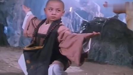 《无敌反斗星》:小龙小文与师兄踏进恐怖古堡, 各路僵尸轮番登场