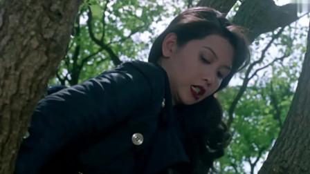 香港动作电影:李连杰对付邱淑贞,关门放狗!结尾搞笑!