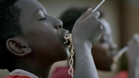 吃泡面是生活质量低?那是你不知,在非洲泡面可是高档货!