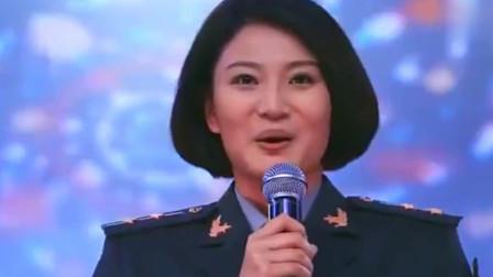 麻辣女兵:汤小米带女兵舞蹈表演,全场爆棚喝彩