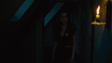 冉阿让带着珂赛特连夜逃走,马吕斯和珂赛特思念着对方