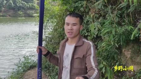 传统钓鱼法有多厉害?农村小伙连竿钓上大白条鱼!真是过瘾啊