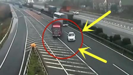 白色轿车高速随意变换车道,无辜大货车司机惨遭不幸