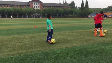 【7岁】9-1哈哈足球带球训练,老鹰捉小鸡游戏IMG_0845.MOV