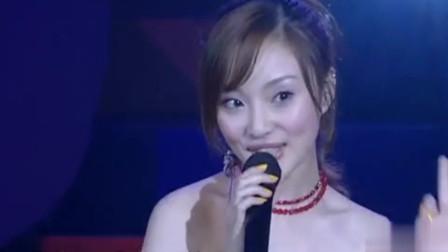 李小璐现场演唱《西游记》片尾曲《白龙马》,竟然唱得还挺好听!