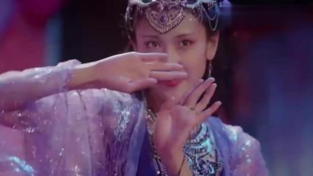 绝世千金:依依的跳舞像仙女下凡,简直太美了,观众连连叫好