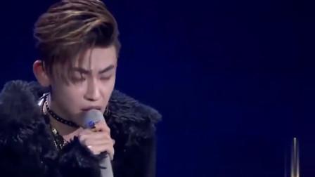 《偶像练习生》小鬼表演《GOOD NIGHT》,登全球华人歌曲排行榜