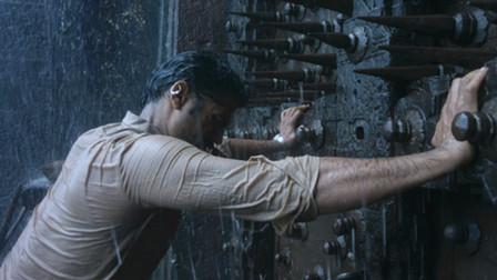 印度小伙获得盗墓秘术,每天都去取金币,却因贪心变成了活怪物