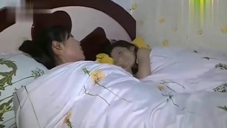 """张峻豪在床上唱跳,进入被窝迅速""""入睡"""",实在太萌了!"""