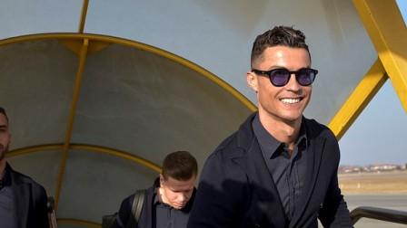 C罗人气有多火?马德里人蜜排长队守候,美女球迷含泪等总裁