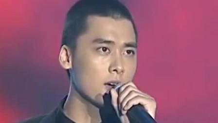 李易峰唱歌原来也这么好听!台上这首《东风破》圈粉无数