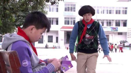 为了和妈妈在一起,傻男孩故意在学校挑衅同学,结果傻男孩纳闷了