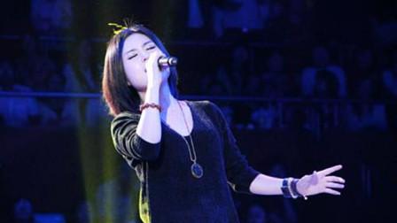潘倩倩翻唱刀郎的《西海情歌》,雄厚嗓音惊艳全场,爆发力十足