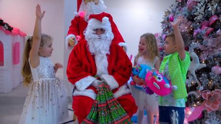 圣诞老爷爷来派送礼物了,小孩子们都非常的开心