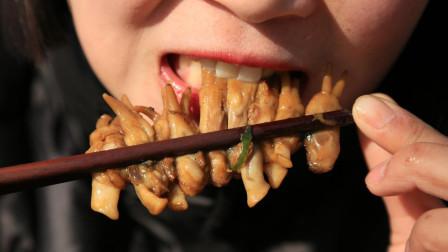 蛏子大口吃才过瘾,一口咬下去满嘴流油,看饿了