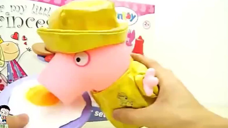 小猪佩奇玩具我们用芝士片喝牛肉再给小猪佩奇做个汉堡包
